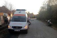 Motociclist transportat la Spitalul Municipal din Sebeș, după ce a căzut și s-a lovit la mână