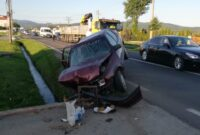 Bărbat de 53 de ani din Sebeș rănit, după ce s-a izbit cu autoturismul de un cap de pod ope strada Dorin Pavel