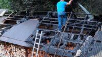 Intervenție a SVSU Șugag și a pompierilor din Sebeș pentru stingerea unui incendu izbucnit la acoperișul unei anexe, din Dobra de Sus